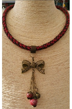 Collier Bordeaux tressage KUMIHIMO